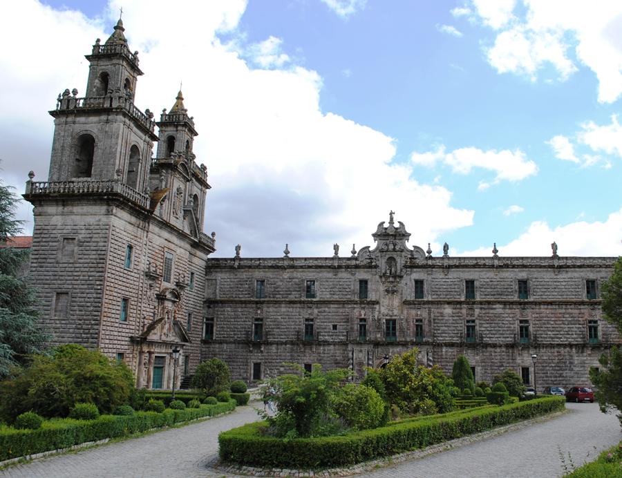 La historia del Monasterio de Santa María de Oseira, en Orense